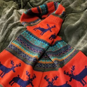 🎄 NWOT HUGE KNIT SCARF WINTER THEME
